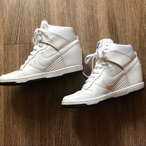 White Nike leather 7.5. Ski hi